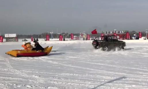 冬趣:玩轉哈爾濱——雪地香蕉船
